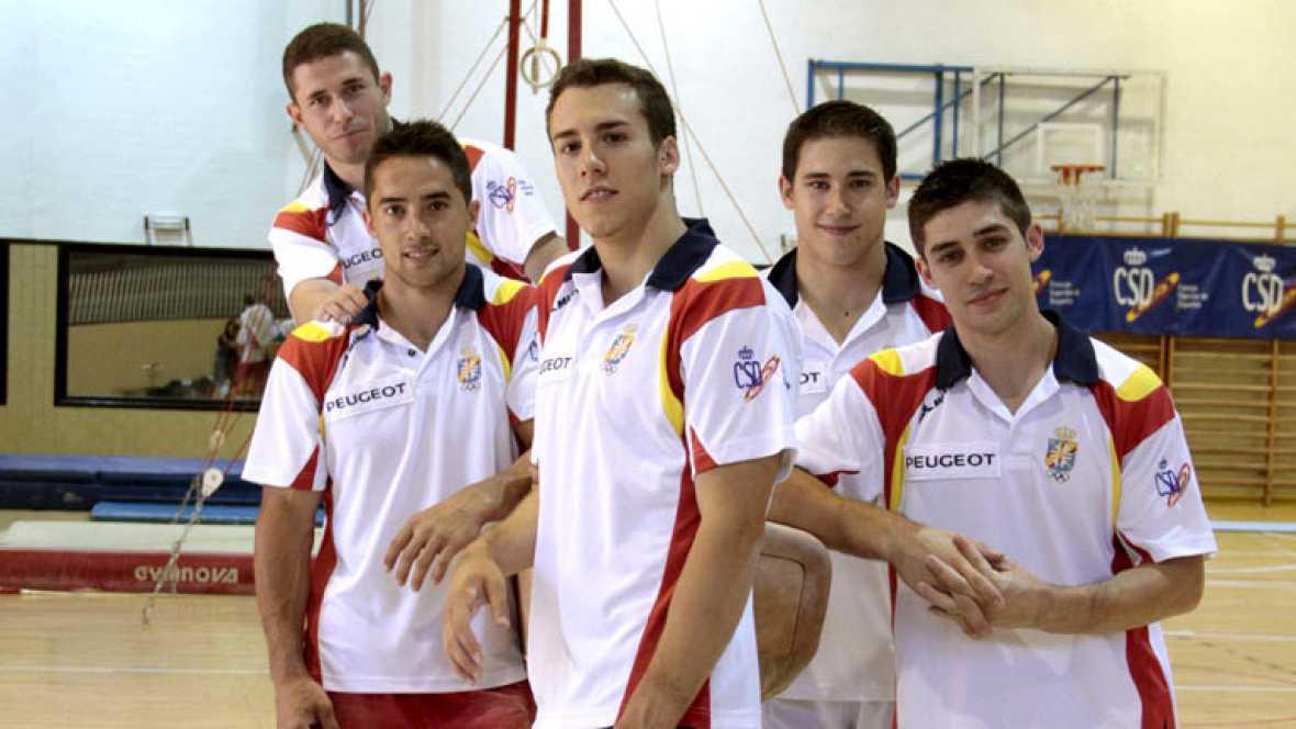 Hoy se ha llevado a cabo en el CSD la presentación de los equipos españoles de gimnasia ritmica y artística que acudirán a los Juegos.La delegación está compuesta por un total de 13 deportistas. En el acto de presentación intervinieron el presidente