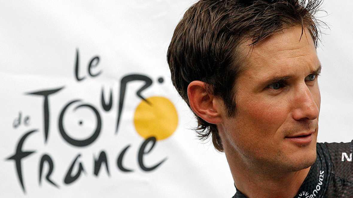 El ciclista luxemburgués Frank Schleck presentará una denuncia por envenenamiento si se confirma su positivo por un diurético durante la décima tercera etapa del Tour de Francia, al considerar que no ha consumido voluntariamente esa sustancia.