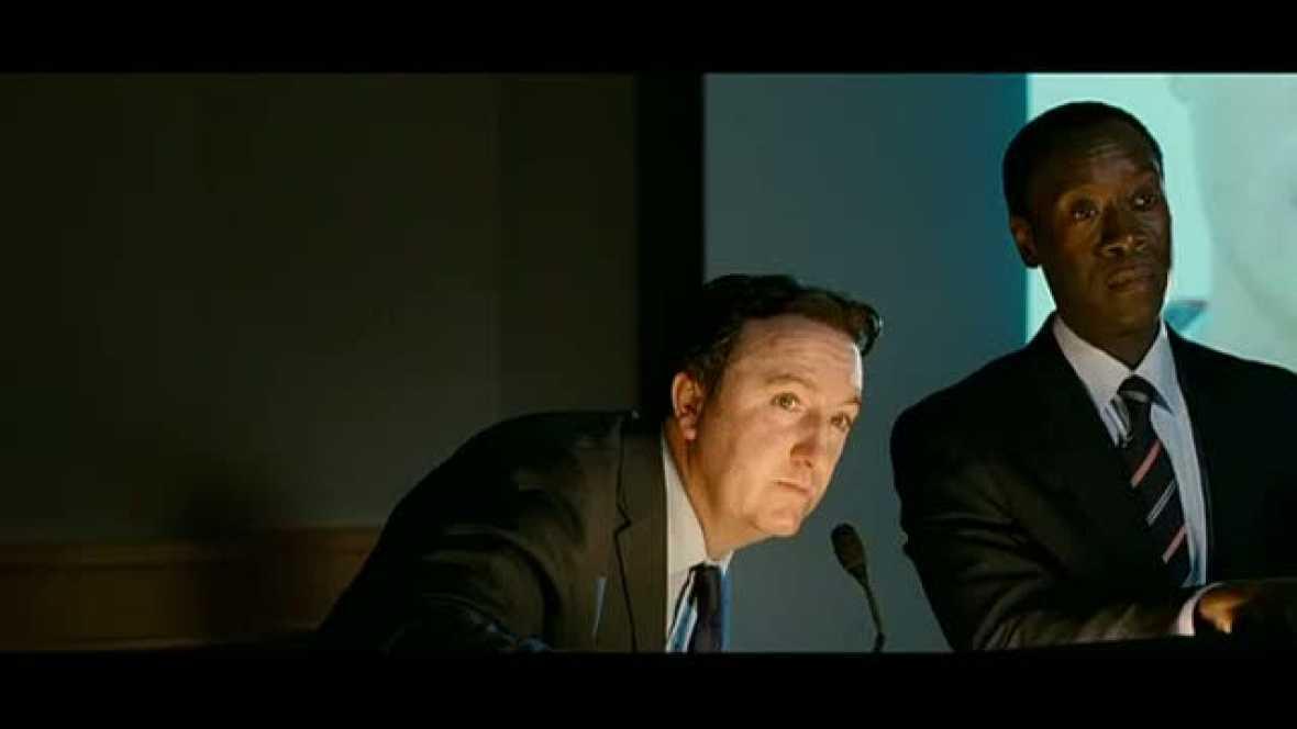 John Michael McDonagh debuta en la dirección con El irlandés, protagonizada por Brendan Glesson y Don Cheadle.