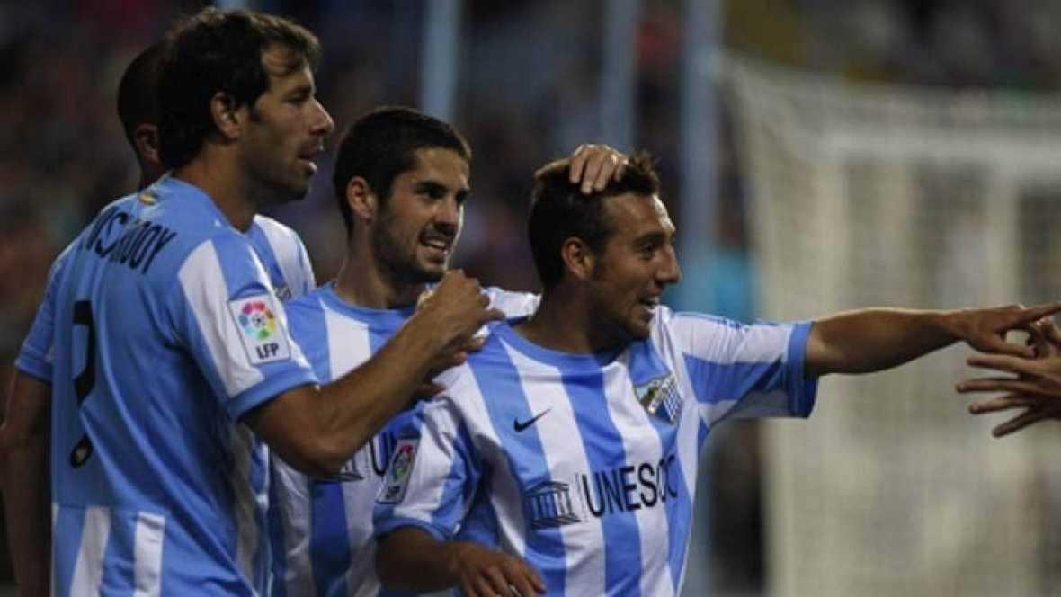 Ya hay entendimiento entre el Málaga y los cuatro futbolistas que habían denunciado al club ante la AFE por impago. Según un comunicado del equipo los cuatro jugadores -Van Nistelrooy, Rondón, Mahthijsen y Cazorla- han revocado su acusación.