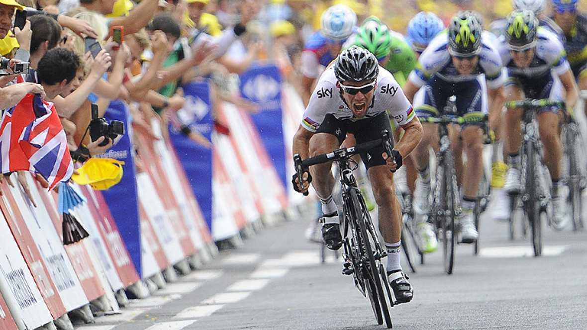 El británico Mark Cavendish (Sky) ganó hoy al esprint la decimoctava etapa del Tour 2012, mientras que su compatriota Bradley Wiggins (Sky) está a sólo dos jornadas de coronarse en París como el primer británico que gana la carrera gala.   Cavendish