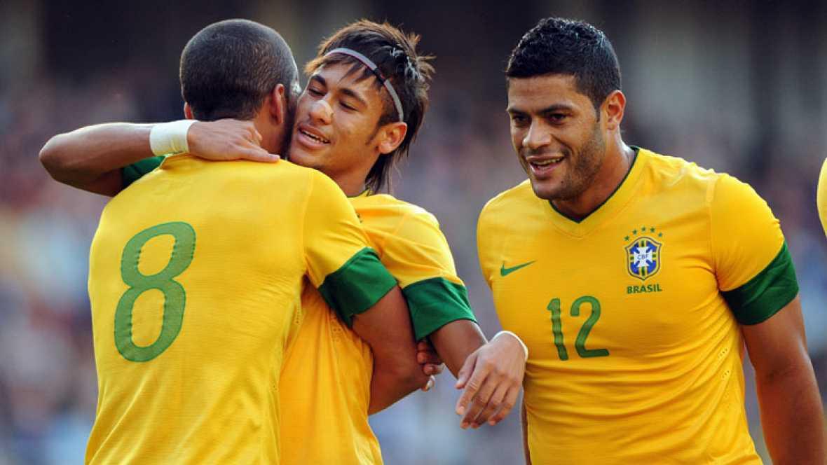 En su último amistoso antes de su debut la canarinha ganó a la anfitriona, a Gran Bretaña, por 0-2, con exhibición de Neymar que estuvo en todas las salsas.