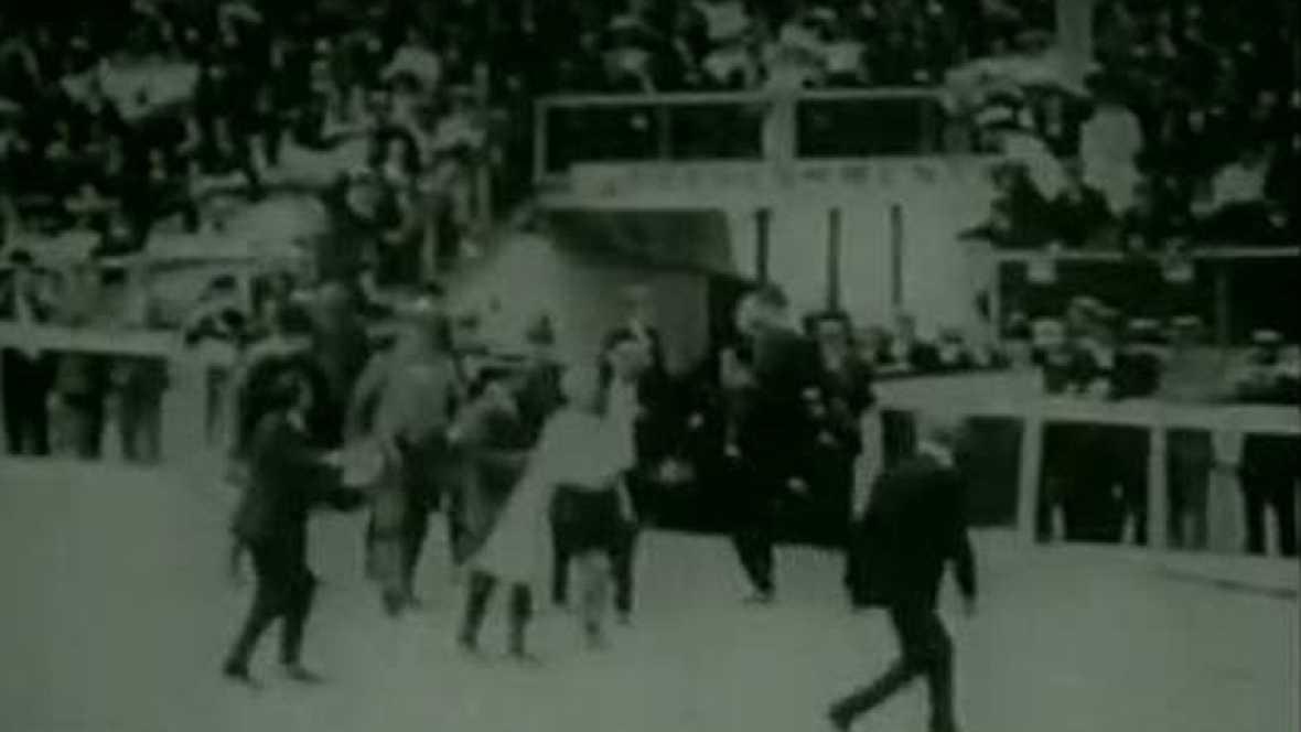 La Reina de Inglaterra amplió el maratón hasta los 42 km 195 metros