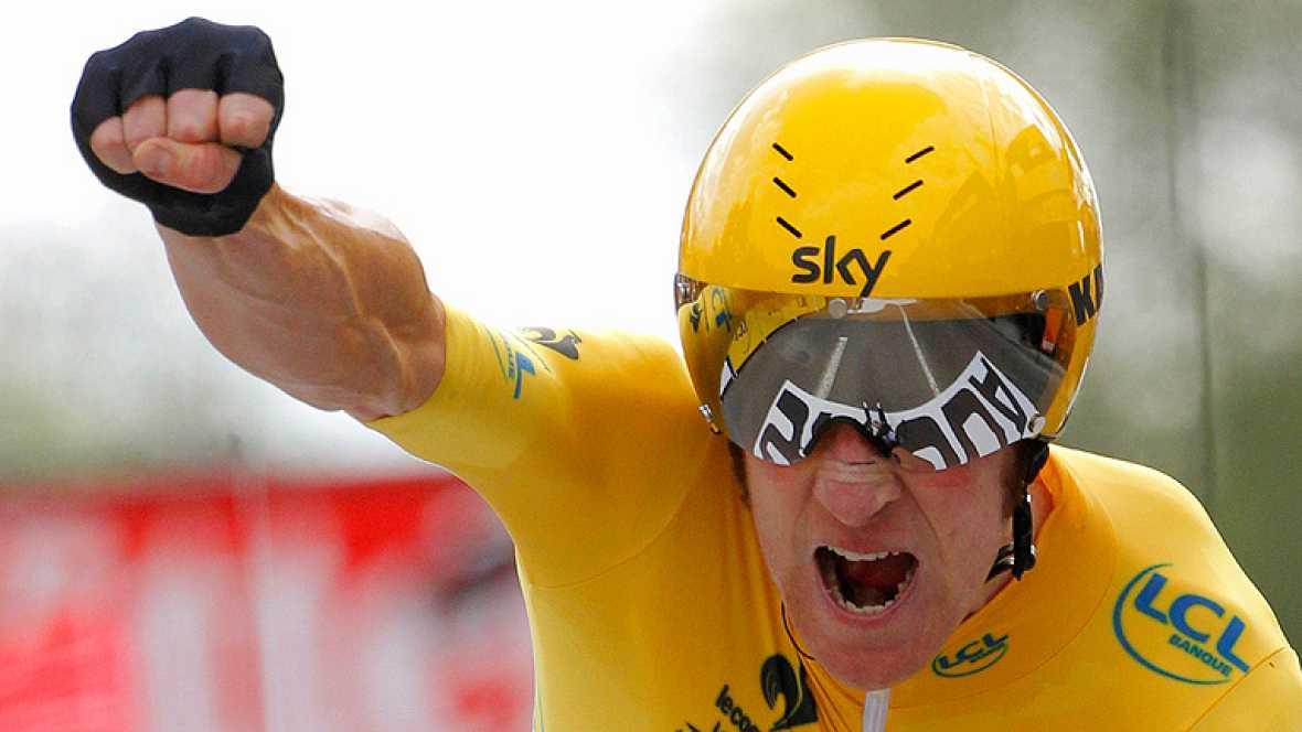 Bradley Wiggins se convertirá en el primer británico que gana el Tour de Francia, la consagración de un corredor nacido en la pista y que ha protagonizado una espectacular metamorfosis hasta tocar el cielo al frente de un equipo, el Sky, fabricado en