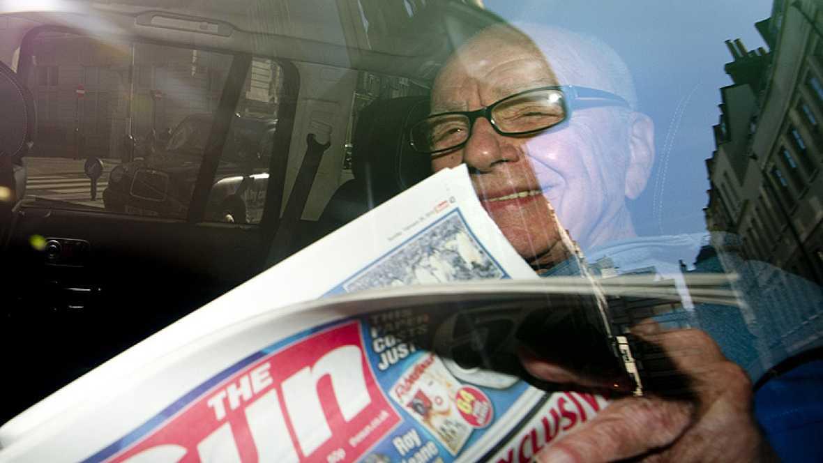 Murdoch deja la dirección de su grupo mediático