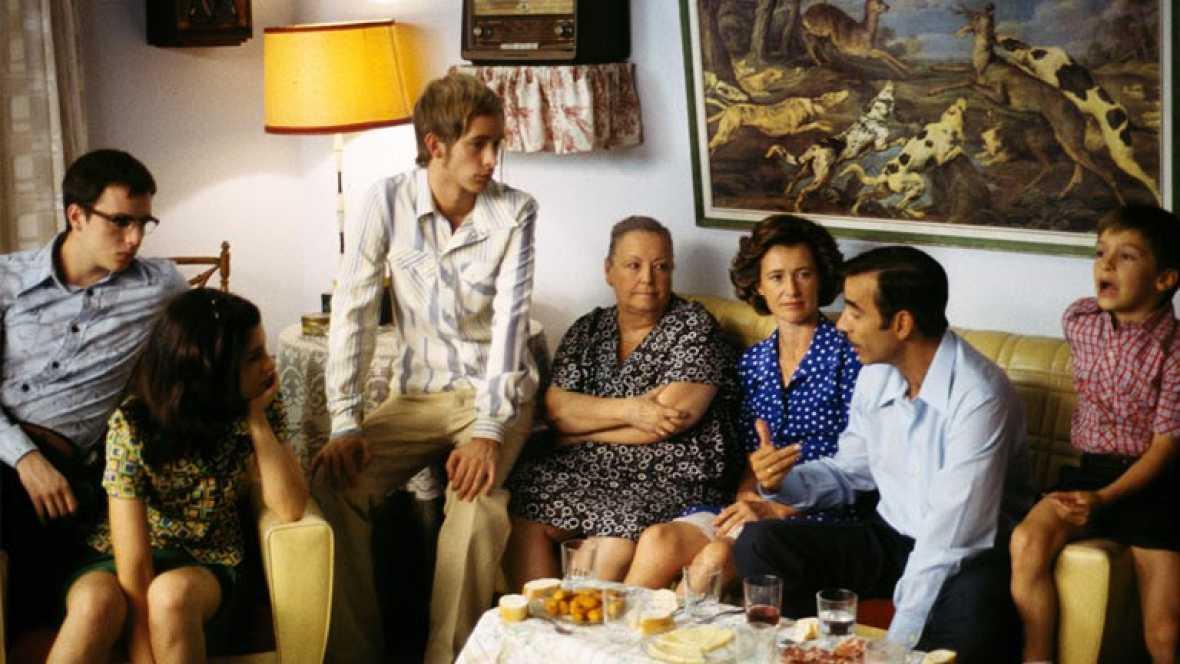 Los Alcántara cenando, temporada 1 - Cuéntame cómo pasó