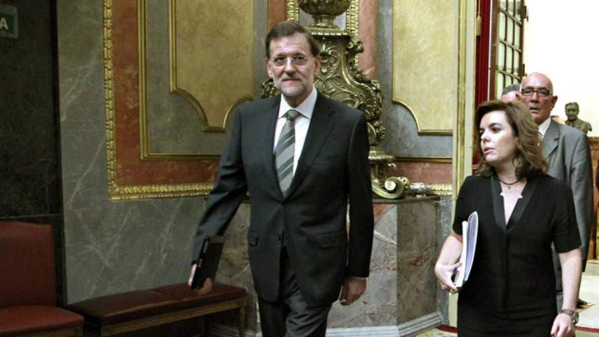 Rajoy se reúne con los barones del PP para buscar unidad ante los ajustes