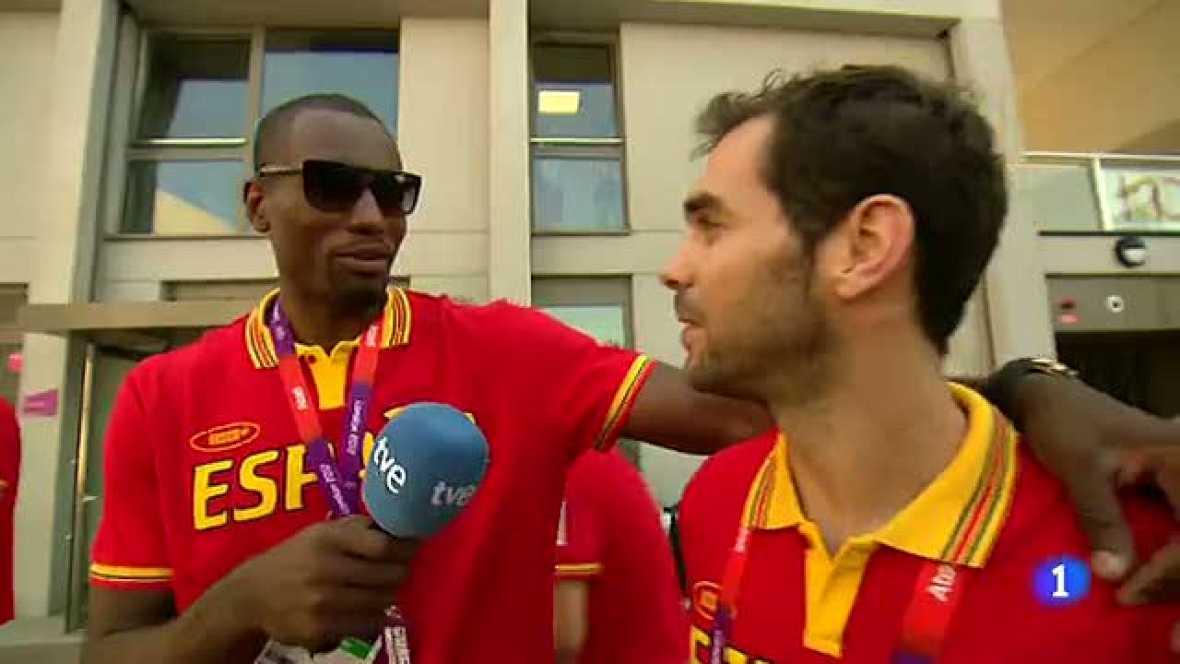 Ibaka entrevista a sus compañeros de selección