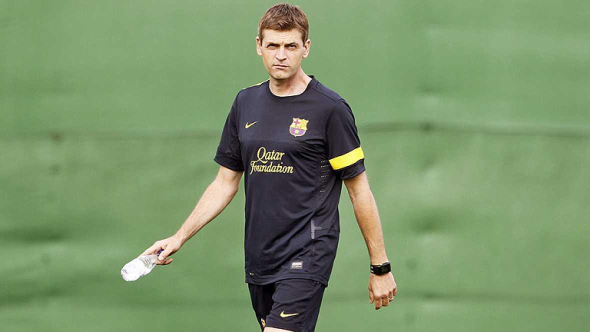El nuevo entrenador del Barcelona, Francesc 'Tito' Vilanova, ha podido dirigir esta tarde la primera sesión con un grupo compacto de jugadores azulgranas, gracias a la llegada de siete internacionales y a la recuperación del capitán, Carles Puyol, qu