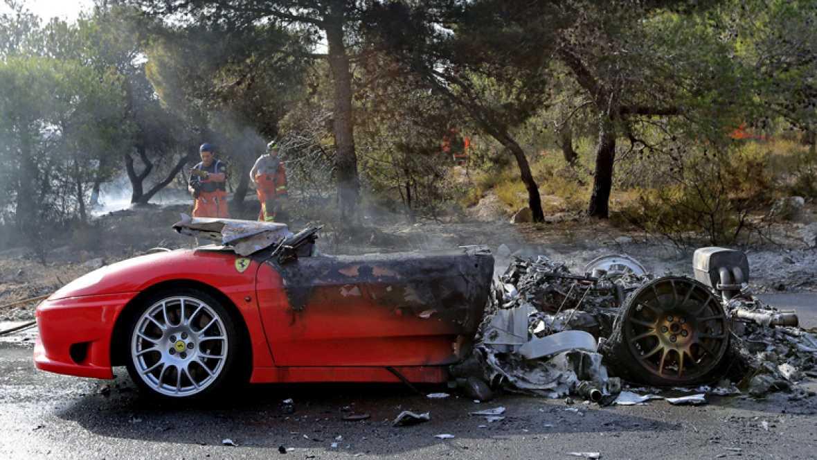 El argentino Ever Banega, futbolista del Valencia, ha salido ileso del incendio de su Ferrari.