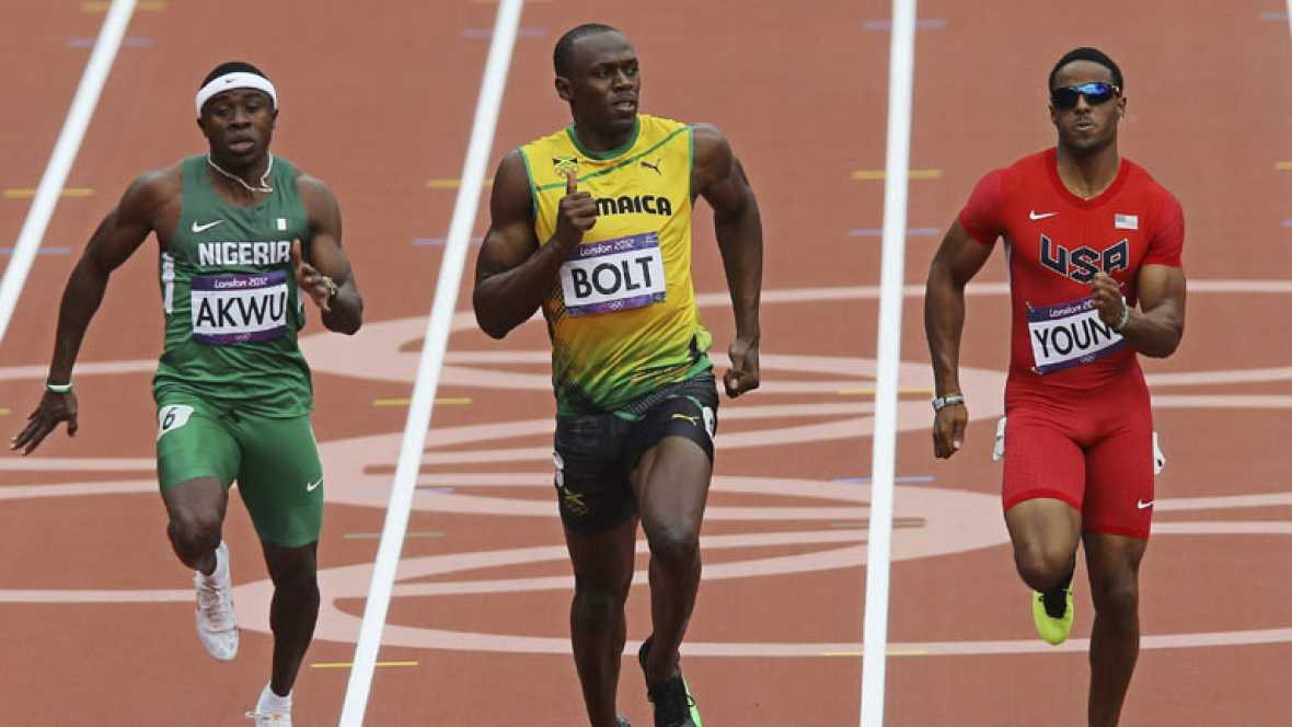 Bolt ha vuelto con éxito a la pista del estadio olímpico de Londres y ha ganado con comodidad su serie de 200 metros. La sorpresa ha sido la retirada del chino Liu Xang, favorito en los 110 metros vallas.