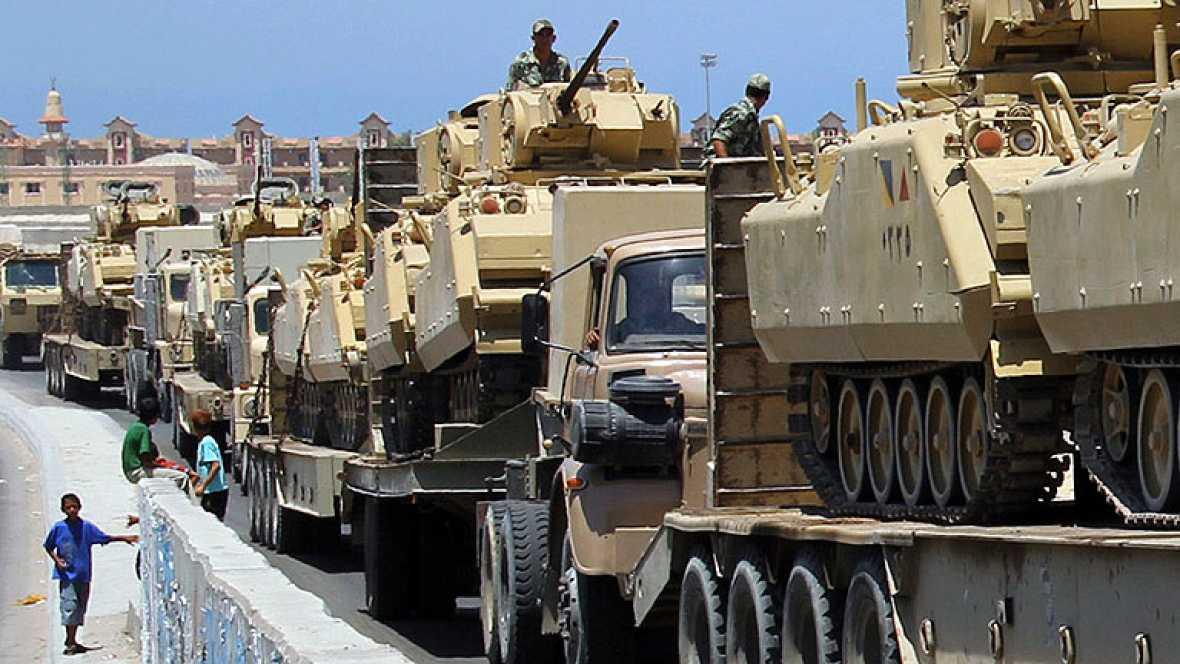 Gran despliegue de tropas egipcias en el Sinai, tras los últimos ataques sufridos en puestos fronterizos. Israel ha autorizado a Egipto a usar helicópteros en la frontera, con un límite de días y acciones.