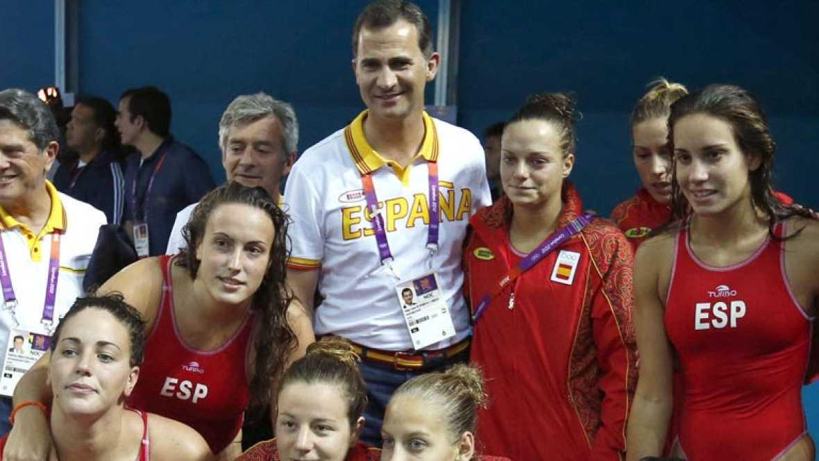 A los deportistas españoles no les ha faltado el apoyo de la Familia Real, ya vimos a la reina en la ceremonia de apertura, doña Sofía ha vuelto y tambien están aquí los principes. Juntos han acudido a una reunión con más casas reales.