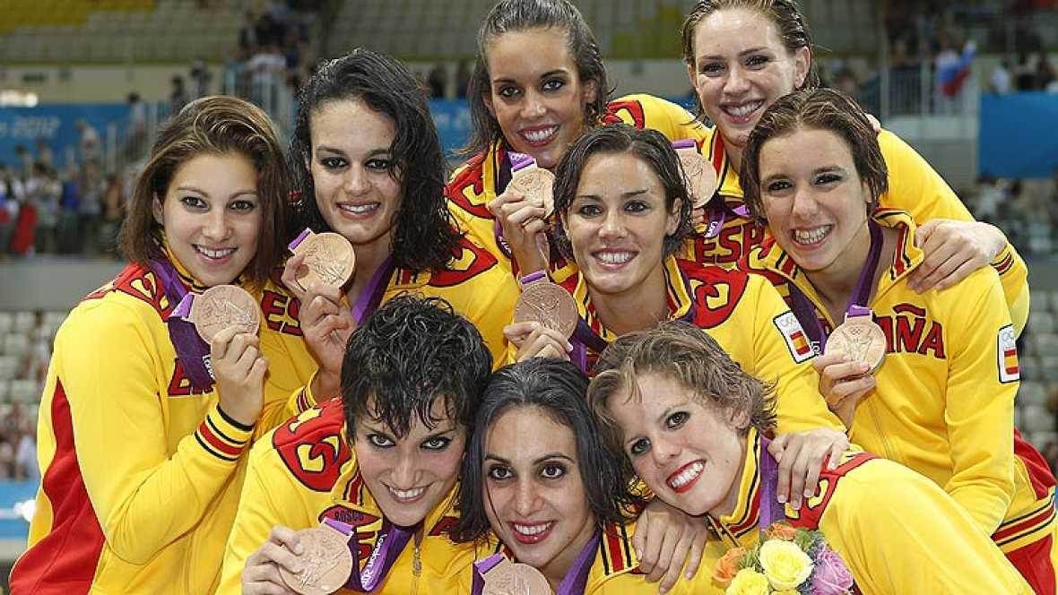 El equipo español de natación sincronizada ha logrado la medalla de bronce en Londres 2012, donde solo les superó Rusia y China.