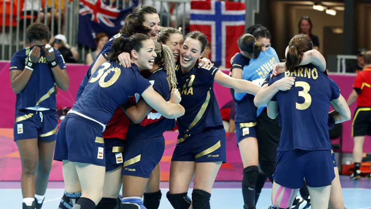 Las 'guerreras' del balonmano se cuelgan el bronce en una final histórica