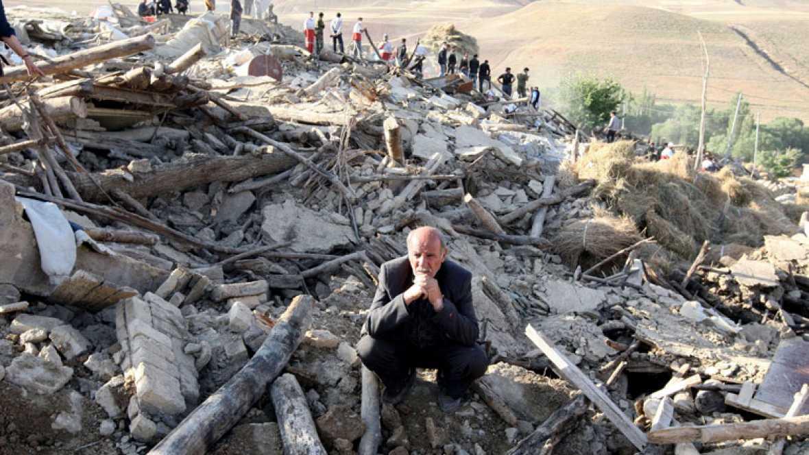 La ministra de Sanidad iraní eleva a 306 los muertos en los terremotos