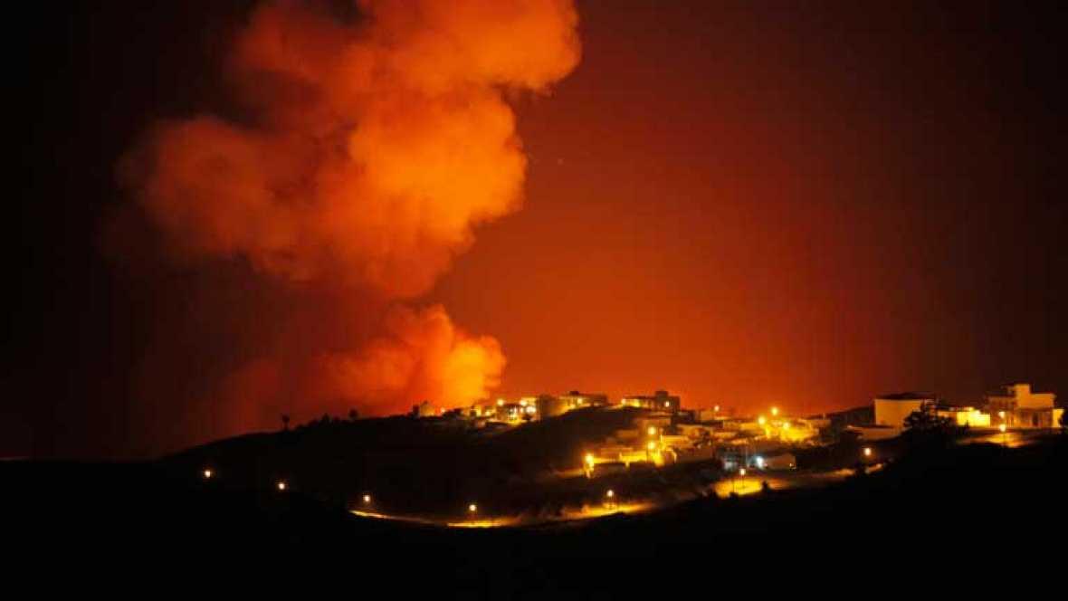 El fuego obliga a desalojar a más de 4.500 vecinos en La Gomera