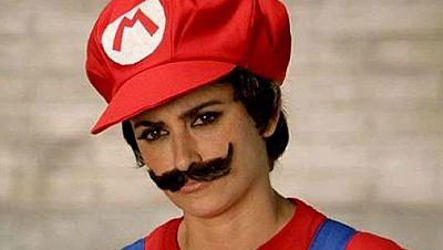 Penélope Cruz 'se deja bigote' para publicitar el nuevo videojuego de Super Mario