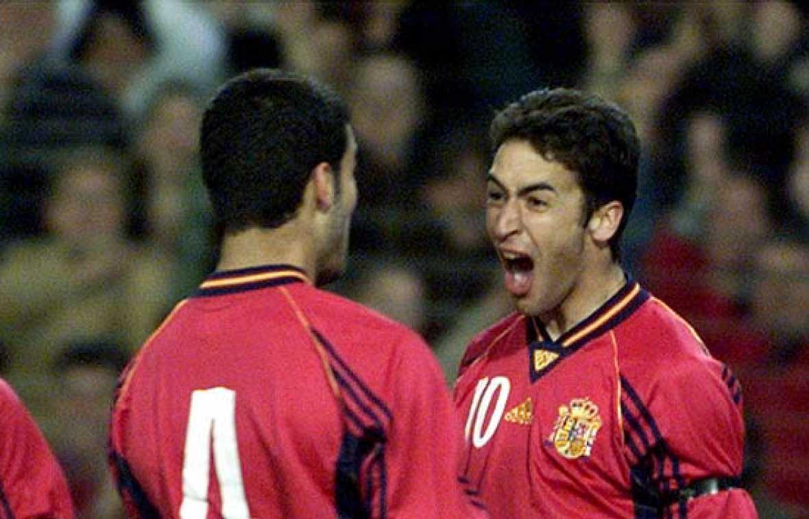 Los 44 goles de Raúl, los 29 de Hierro, los 27 de Morientes, los 26 de Butragueño, los 21 de Míchel y los 20 de Zarra. Reviva los mejores goles de los mayores goleadores de España.