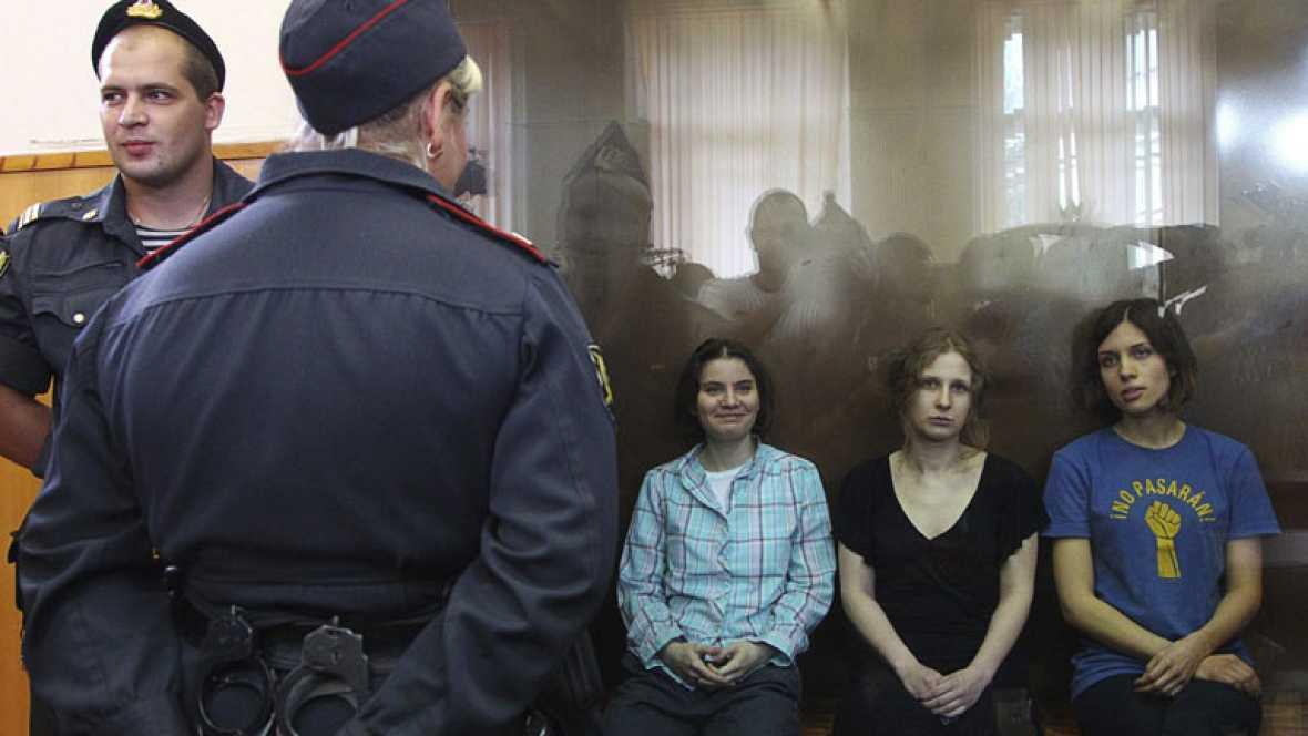 Dos años de cárcel para las Pussy Riot por cantar contra Putin en una iglesia