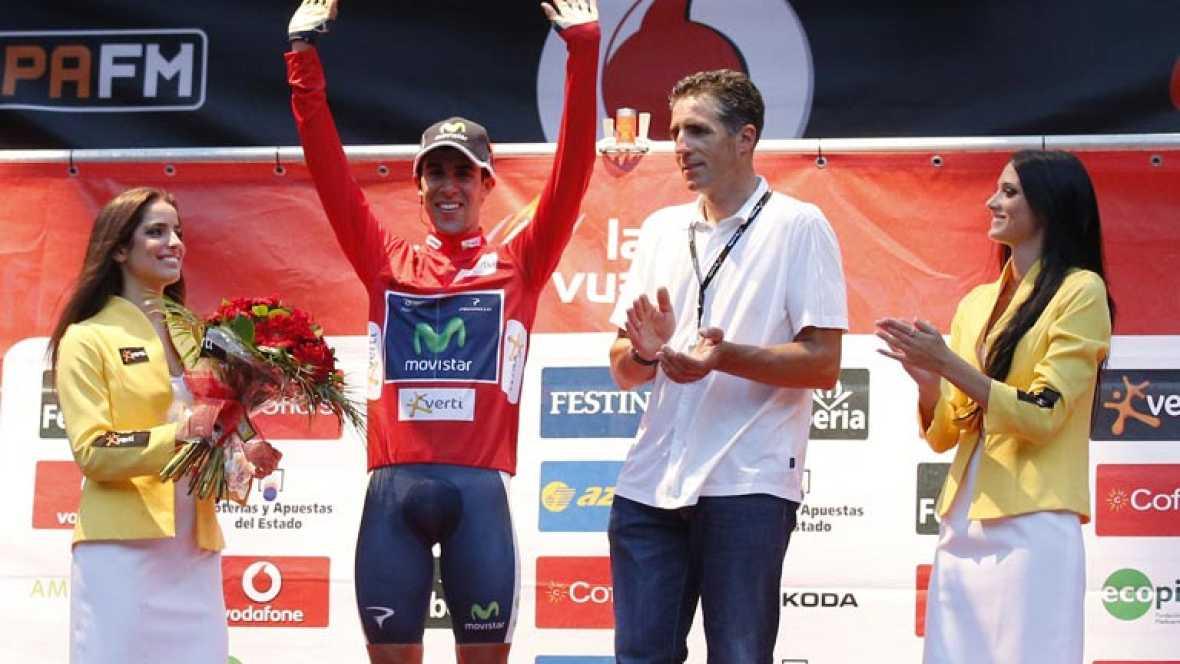 Mucha igualdad en la contrarreloj por equipos por Pamplona, con sabor a San Fermines. El equipo de Contador ha entrado en séptimo lugar. El primer maillot rojo lo ha lucido Jonathan Castroviejo, del equipo que ha ganado hoy, el Movistar.