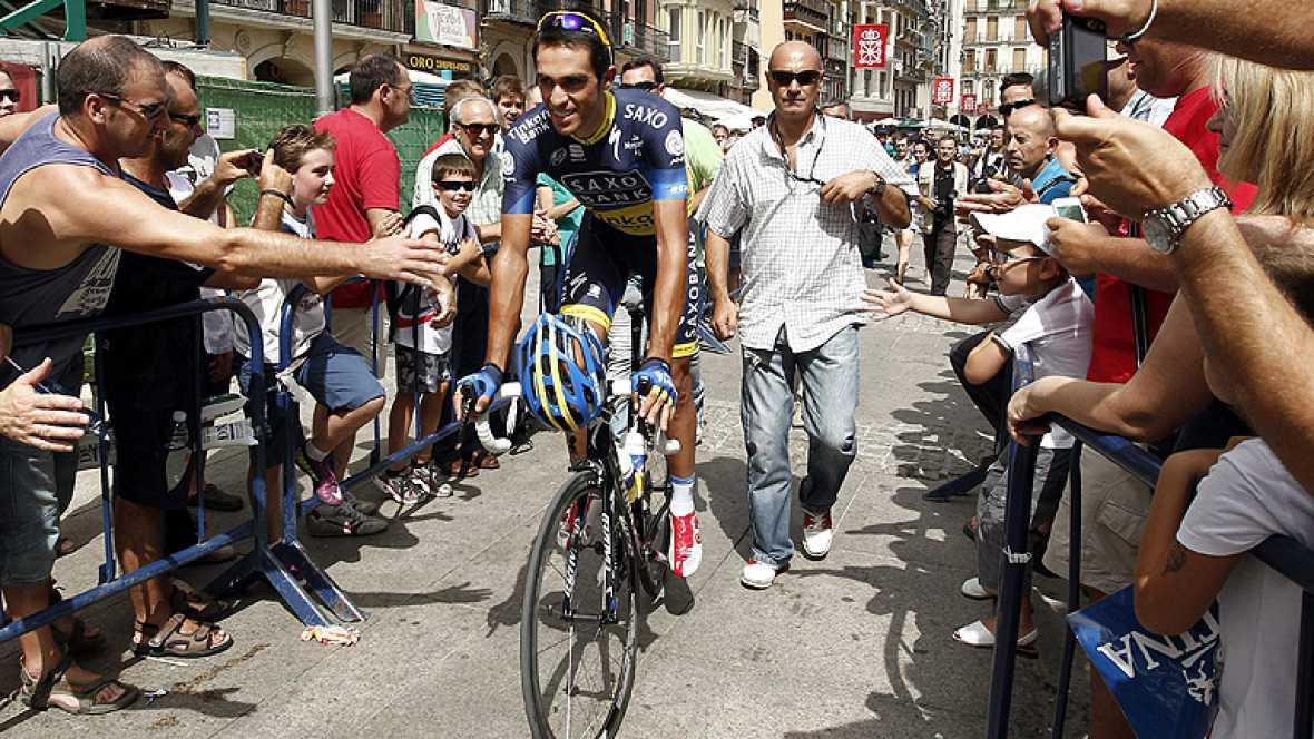 Las dos primeras jornadas de la Vuelta ciclista a España 2012 están siendo marcadas por el calor. En Pamplona, la CRE hizo subir la temperatura corporal de los corredores que tuvieron que recurrir a chalecos especiales para bajarla. El ciclista españ