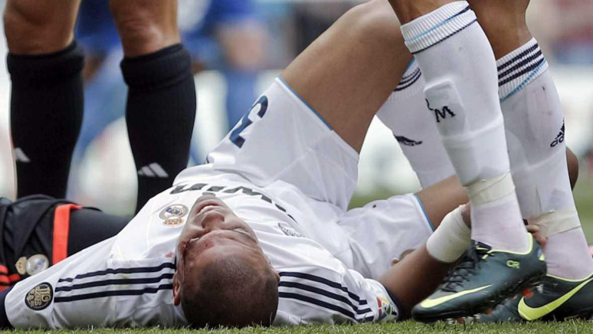 El empate a uno del Real Madrid en casa ante el Valencia nos dejó el primer susto de la liga, el que protagonizó Pepe tras un encontronazo con su compañero de equipo Iker Casillas. El jugador ya ha recibido el alta tras ser sometido a un nuevo escan