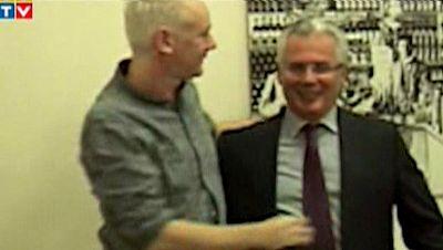 """Correa advierte al Reino Unido que sería """"suicida"""" entrar en su embajada para detener a Assange"""