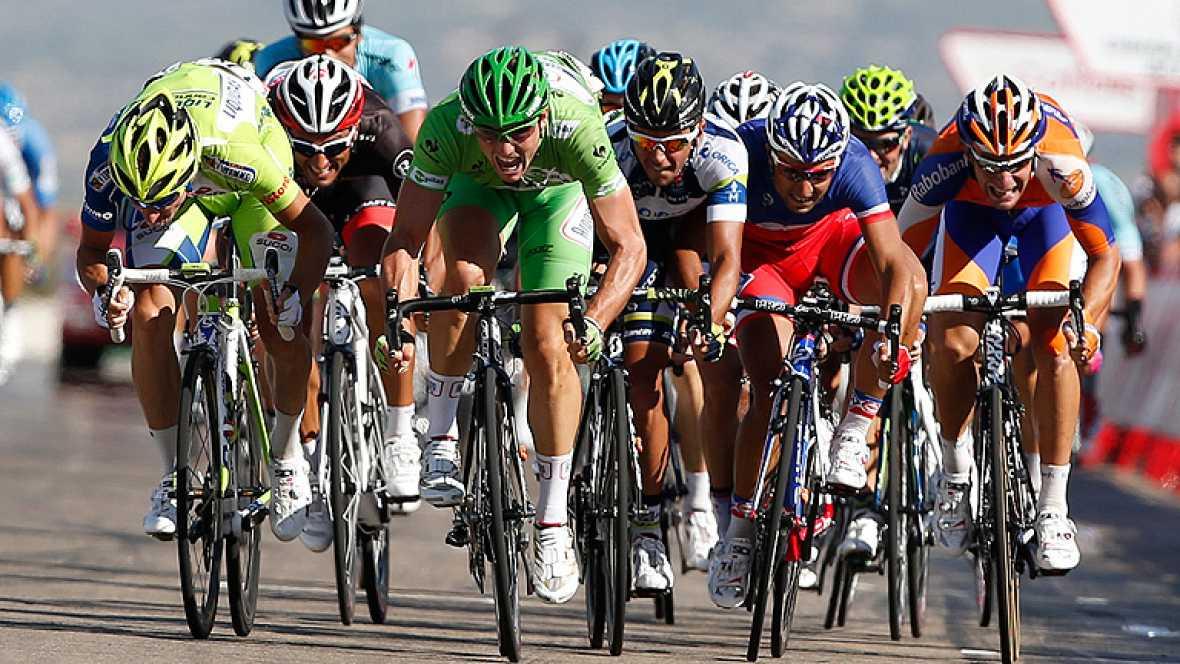 """El alemán John Degenkolb (Argos Shimano) ha sido el ganador de la séptima etapa de la Vuelta a España disputada entre Huesca y el circuito de velocidad de Alcañiz, de 164,2 kilómetros, en la que Joaquim """"Purito"""" Rodríguez (Katusha) mantuvo el maillot"""