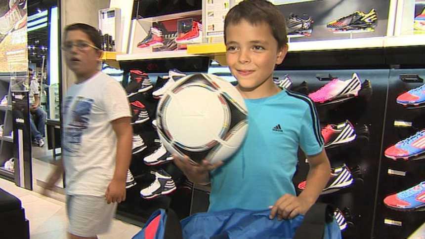 Iago llevará el balón de la Supercopa 2012