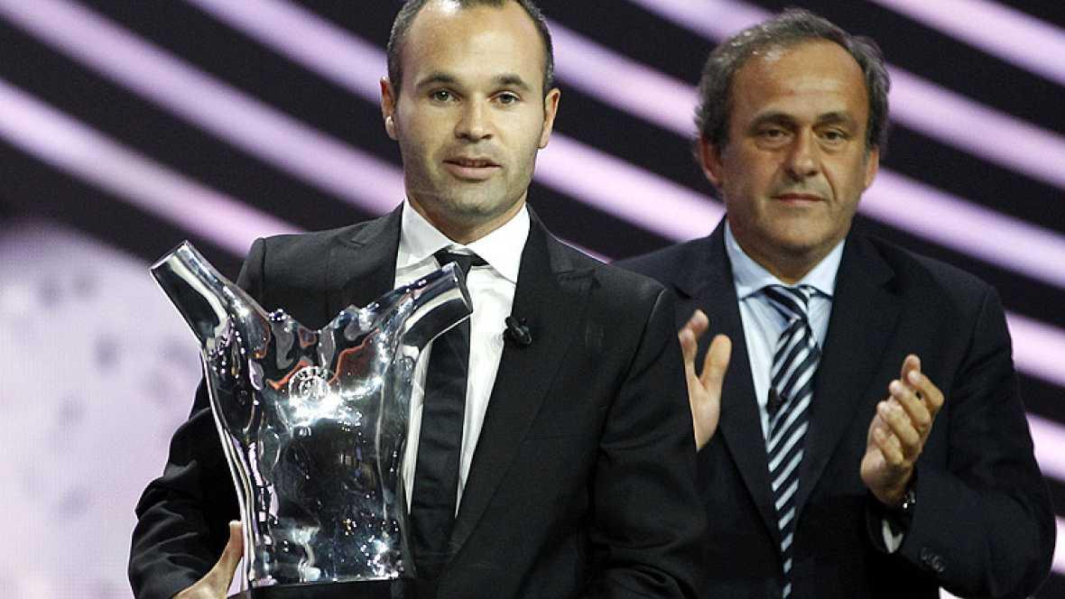 El jugador del Barcelona ha sido elegido por los periodistas europeos como el mejor jugador del continente de la temporada 2011-2012, por delante de Leo Messi y Cristiano Ronaldo.