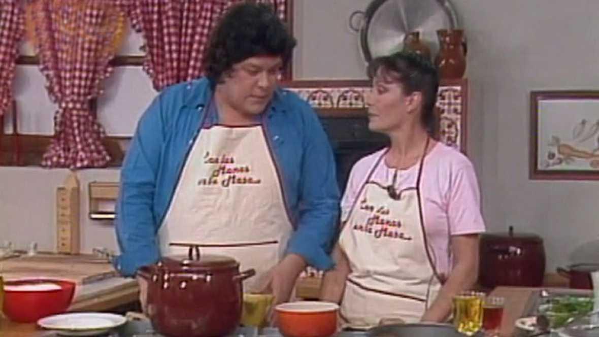 Con las manos en la masa - Elena Santonja y Caco Senante: Conejo al salmorejo con papas arrugás y mojo