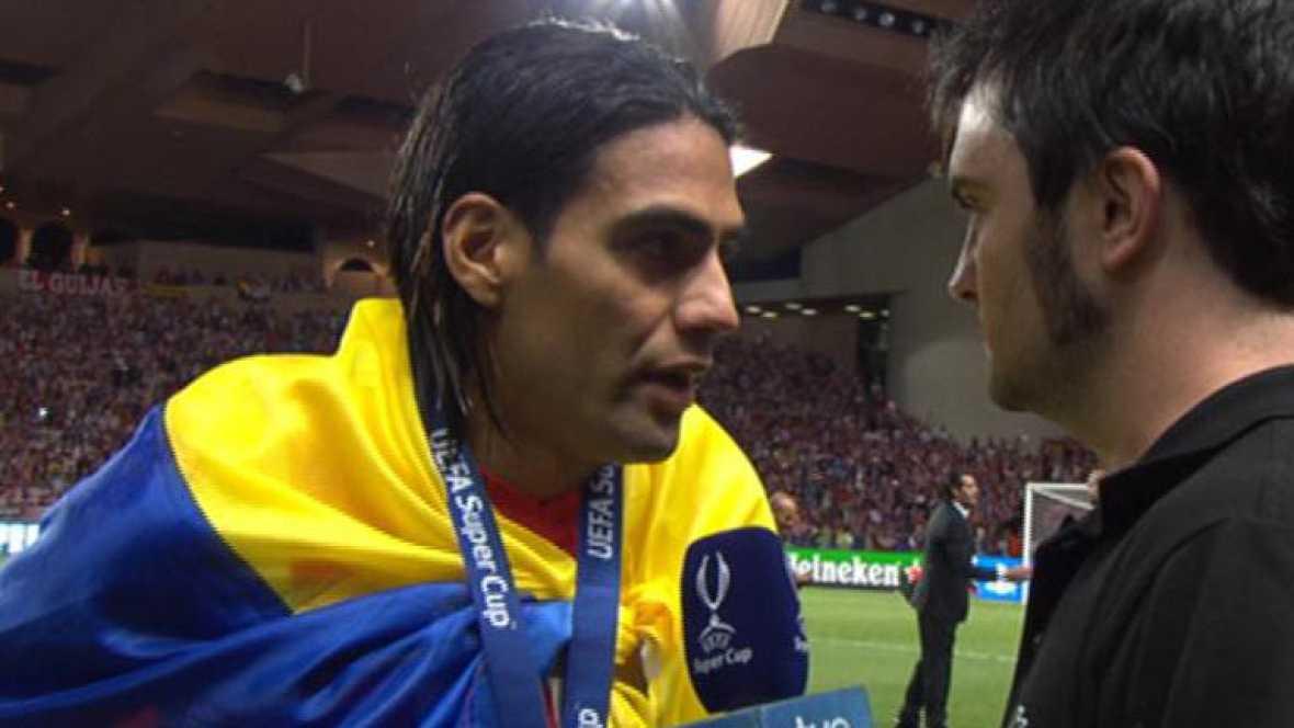 El delantero colombiano del Atlético de Madrid se mostró exultante ante TVE tras la victoria en la Supercopa de Europa frente al Chelsea (1-4). Sus tres goles le valieron ser considerado el mejor del partido por la UEFA.