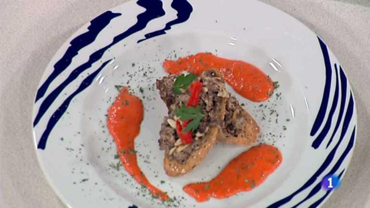 Cocina con Sergio - Tostas de pan de pipas y revuelto de morcilla - Ver ahora