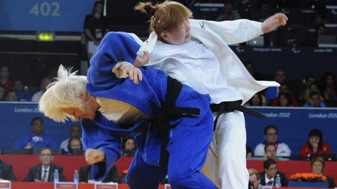 La judoca española Carmen Herrera ha dado este sábado a España la  segunda medalla de oro en los Juegos Paralímpicos, que se están  disputando en Londres hasta el 9 de septiembre, después de imponerse  en la categoría de -70 kilos.