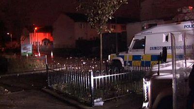 Quince heridos en la segunda noche de enfrentamientos entre unionistas y republicanos en Belfast