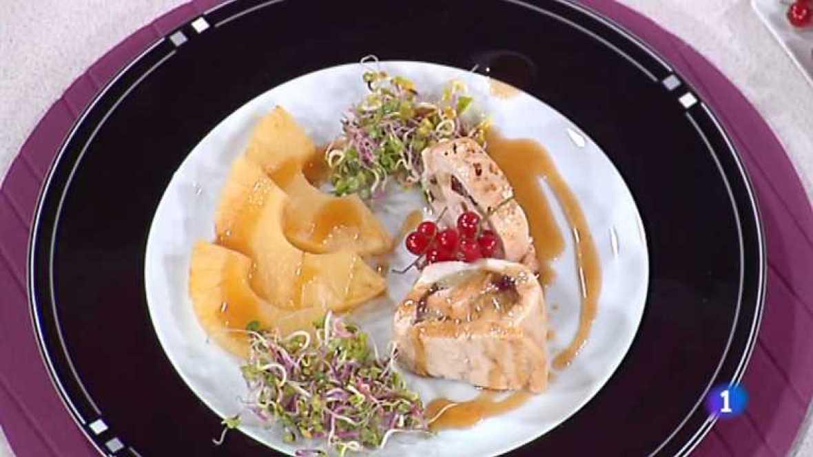 Cocina con Sergio - Pollo relleno a la piña con dátiles - Ver ahora