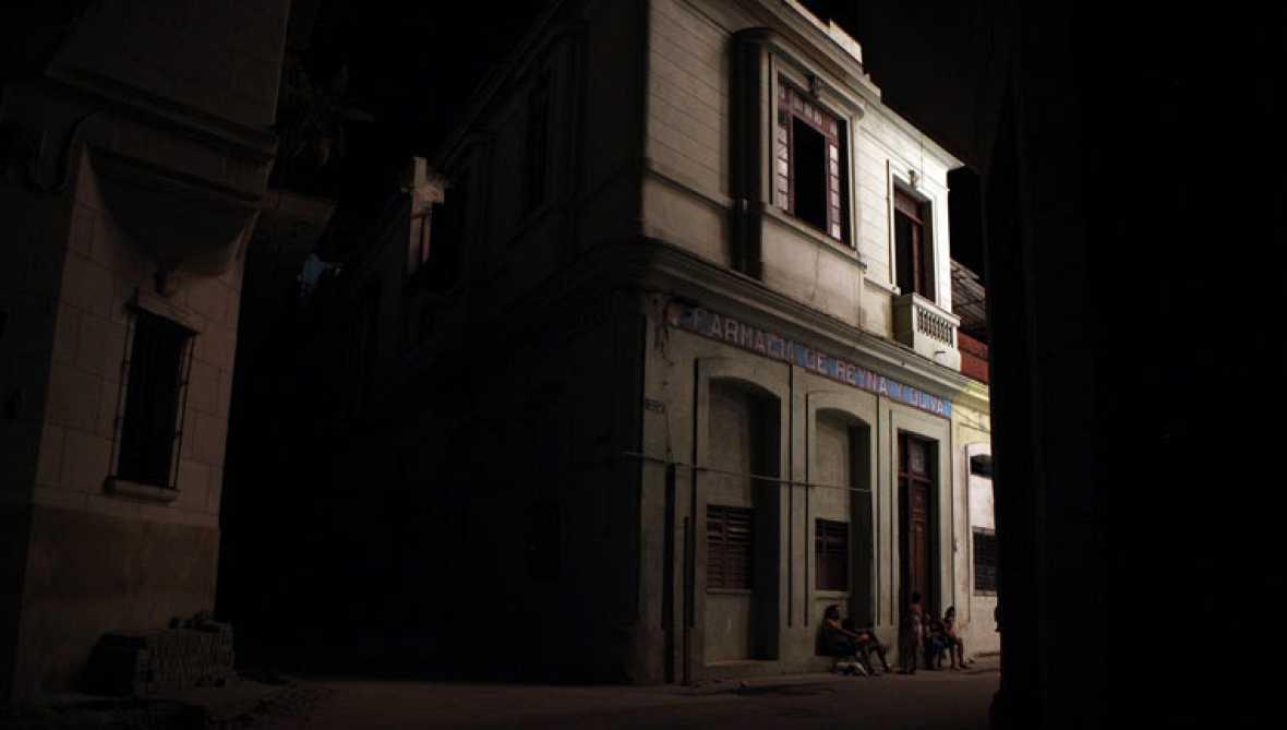 En Cuba, el mayor apagón de la  última década deja a oscuras a cinco millones de personas