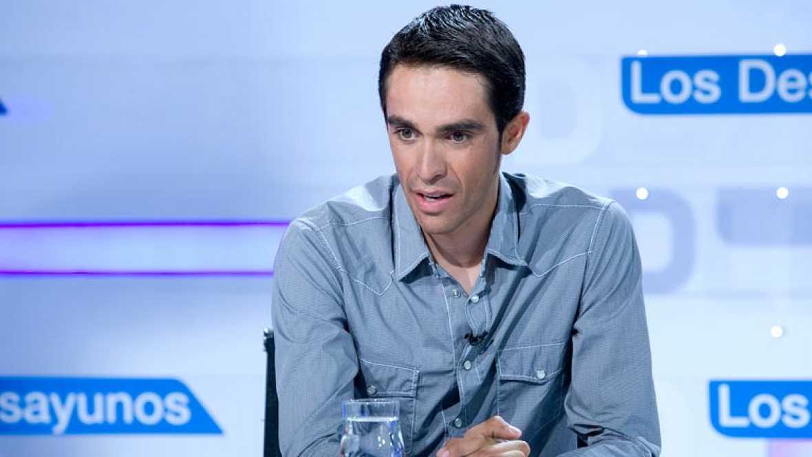 Alberto Contador disfruta de la Vuelta recién ganada y se prepara para el baño de multitudes que le espera en la Comunidad de Madrid y en su localidad natal de Pinto. Anoche Contador piropeó a sus rivales en el TD y está mañana ha tenido tiempo para