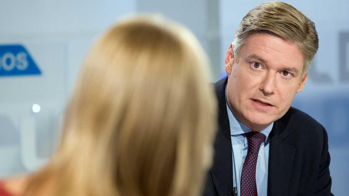 López-Istúriz apunta que hay maniobras para que España pida el rescate