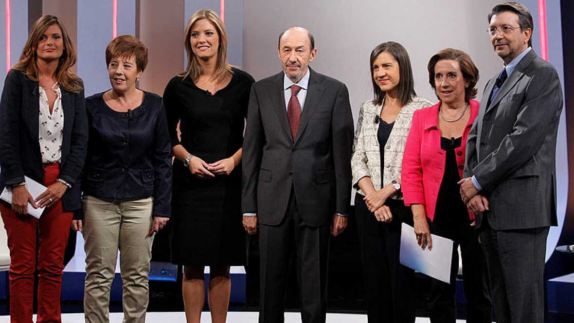 El secretario general del PSOE, Alfredo Pérez Rubalcaba, ha ofrecido una entrevista a TVE en la que ha instado al presidente del Gobierno, Mariano Rajoy, a explicar cuáles son sus planes para los pensionistas. Vídeo de entrevista íntegra a Rubalcaba