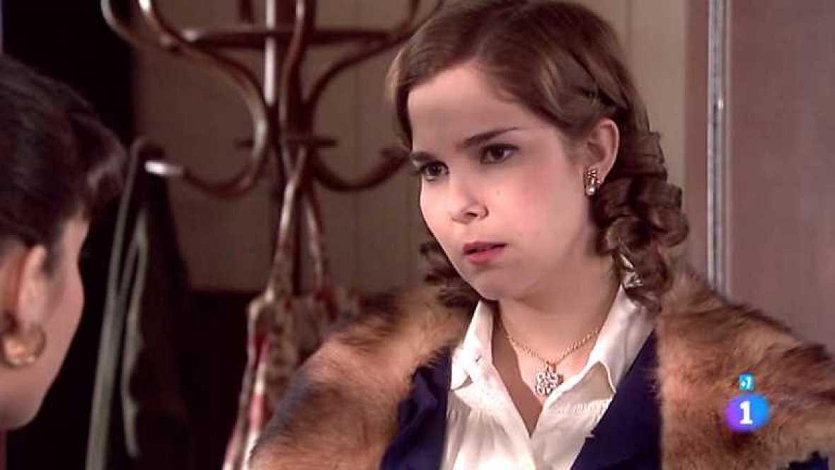 Amar en tiempos revueltos - T7 - Capítulo 217 - Cecilia no consigue recordar de qué conoce a Matilde - Ver ahora