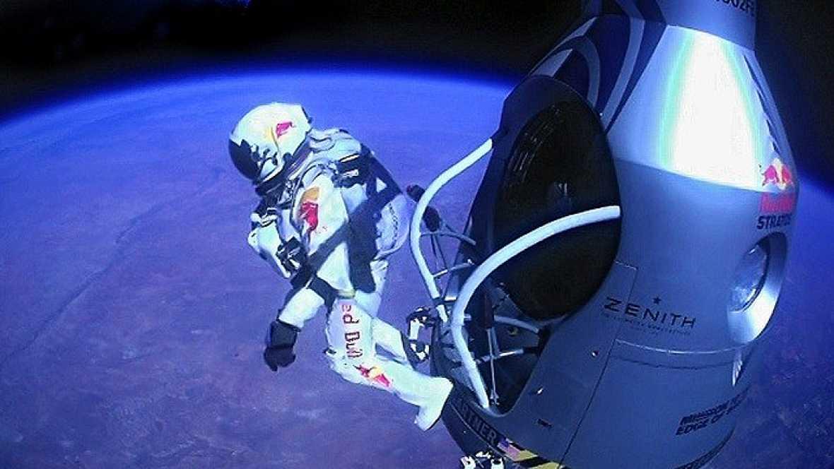 Baumgartner logra romper la barrera del sonido en su salto estratosférico