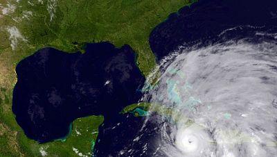 El huracán Sandy entra en Cuba tras causar dos muertos en Haití y Jamaica