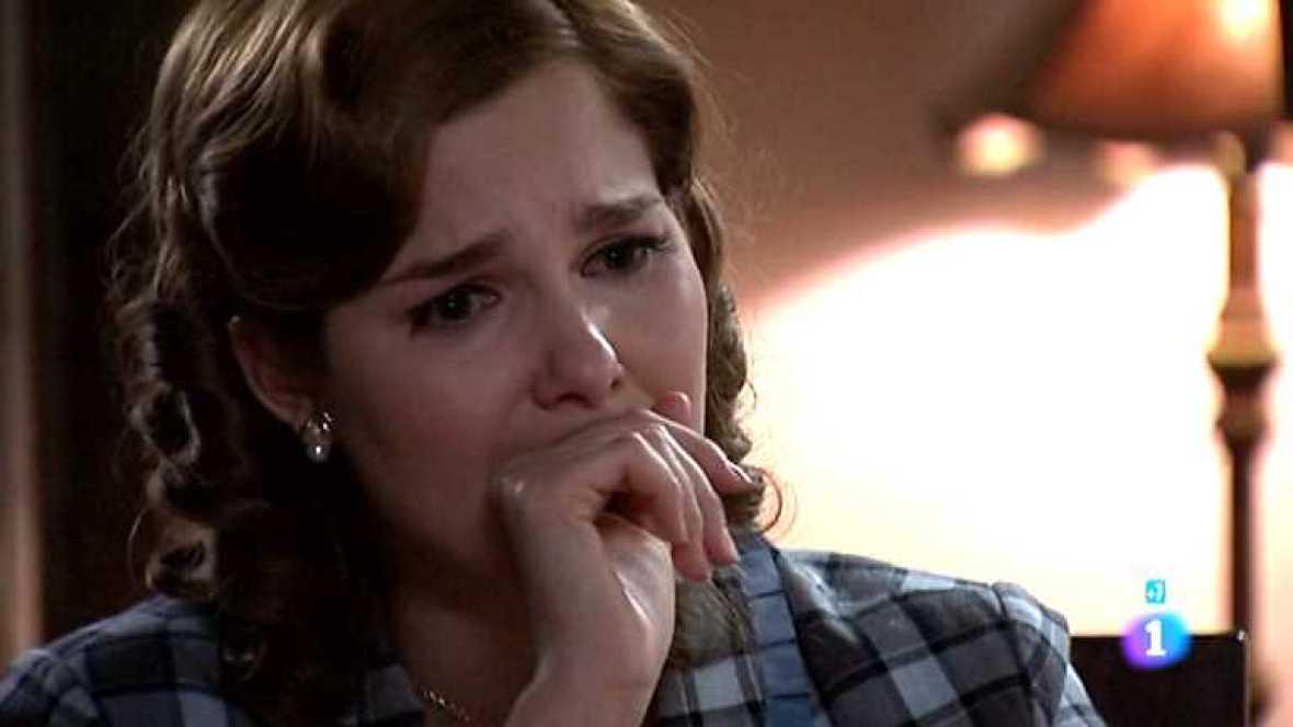 Amar en tiempos revueltos - T7 - Capítulo 252 - Rocío recibe una carta de despedida de Cecilia - ver ahora