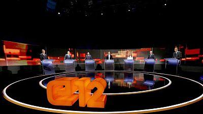 Artur Mas hace campaña electoral en una residencia de ancianos