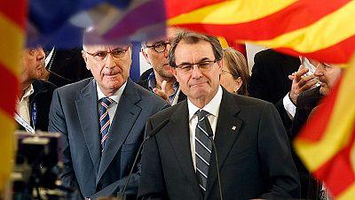 CiU gana lejos de la mayoría absoluta y ERC dobla sus escaños al capitalizar el voto independentista