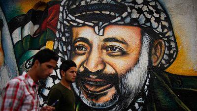 Exhuman los restos de Arafat para determinar si murió envenenado