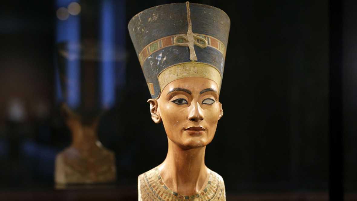 Resultado de imagen para busto de nefertiti donde se encuentra