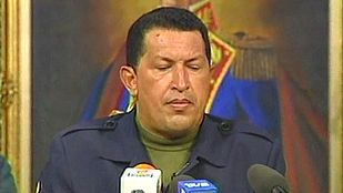 Fracasa el golpe contra Hugo Chávez